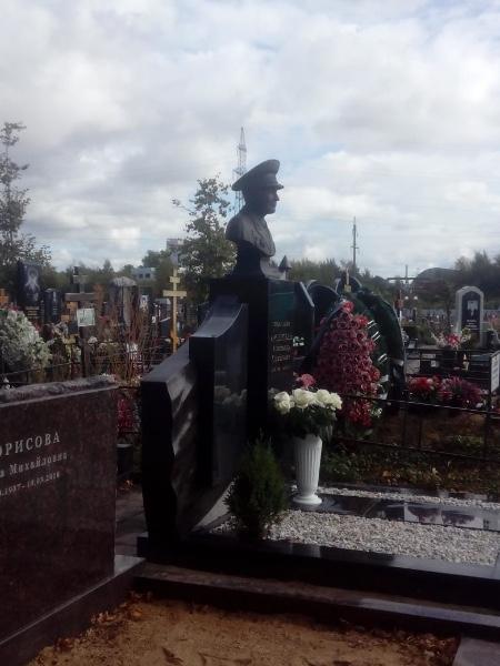 Изготовление надгробных памятников Москва